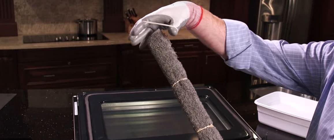 clean in between glass oven door