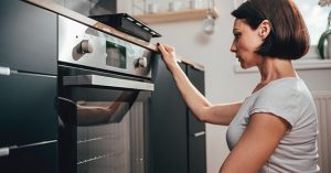 get-brown-stains-off-oven-glass
