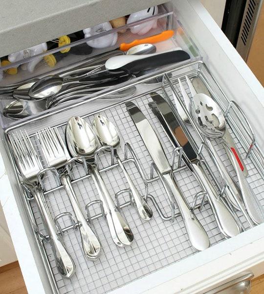 best way to organize kitchen cabinets