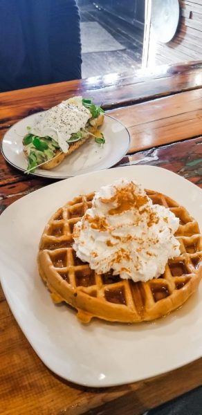 breakfast places in central point or
