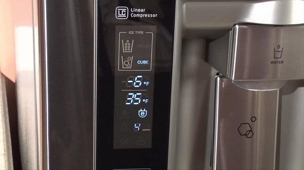 How do you adjust the crisper drawers on a refrigerator